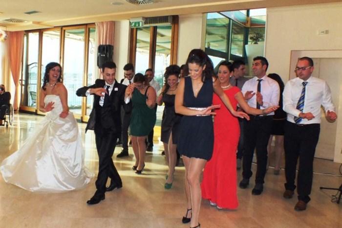 gli sposi organizzano la wedding dance