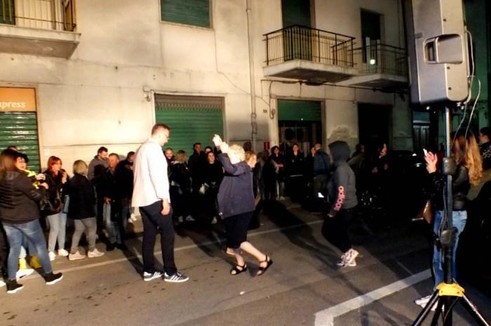 gruppo per organizzare la serenata a domicilio Taranto