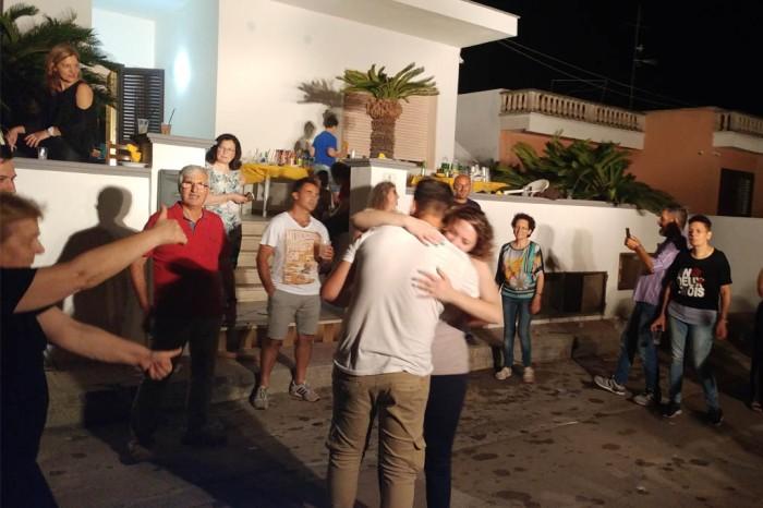 Ballo futuri sposi serenata Lecce