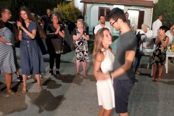 Melendugno serenata sposa