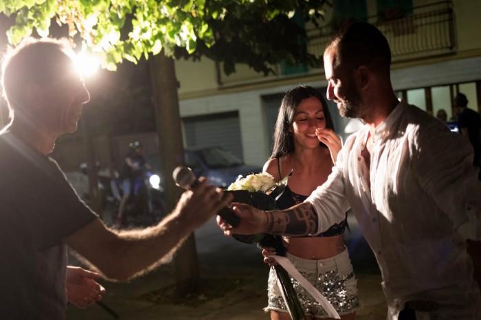 fasano - Brindisi, lo sposo organizza una serenata originale