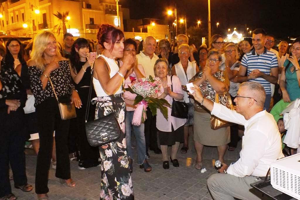 Torre a Mare Bari, sorpresa alla moglie
