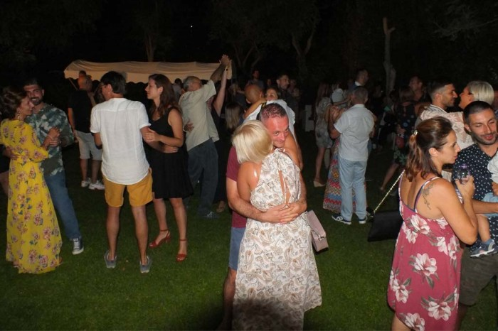 Ginosa Marina serenata sposo sposa