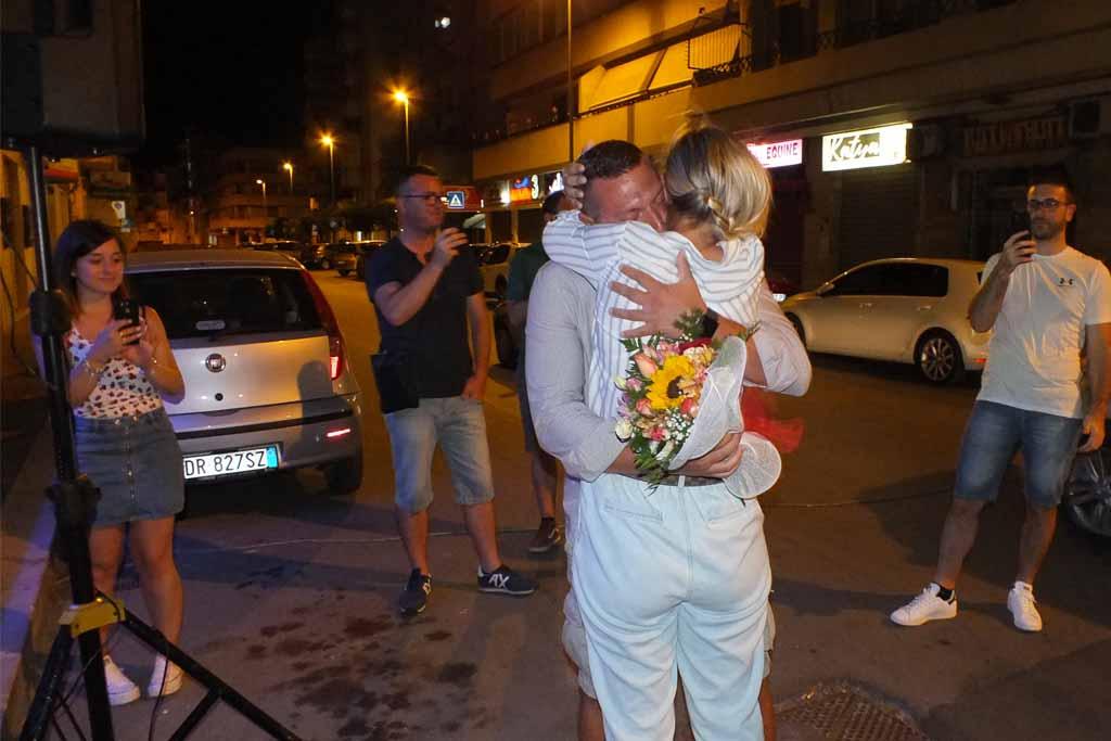 Serenata d'amore dello sposo alla sposa
