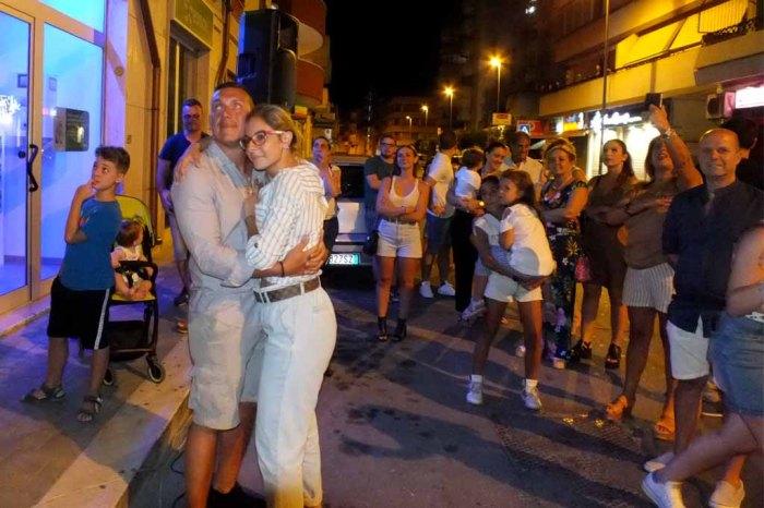Serenata d'amore organizzata a Brindisi