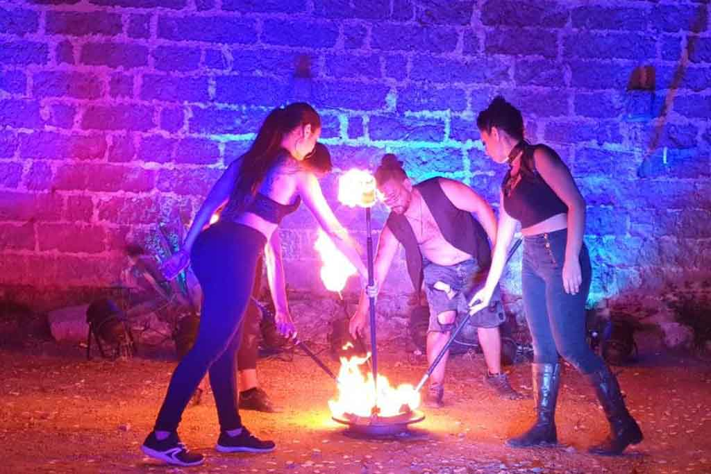 Artisti di strada matrimonio spettacolo fuoco