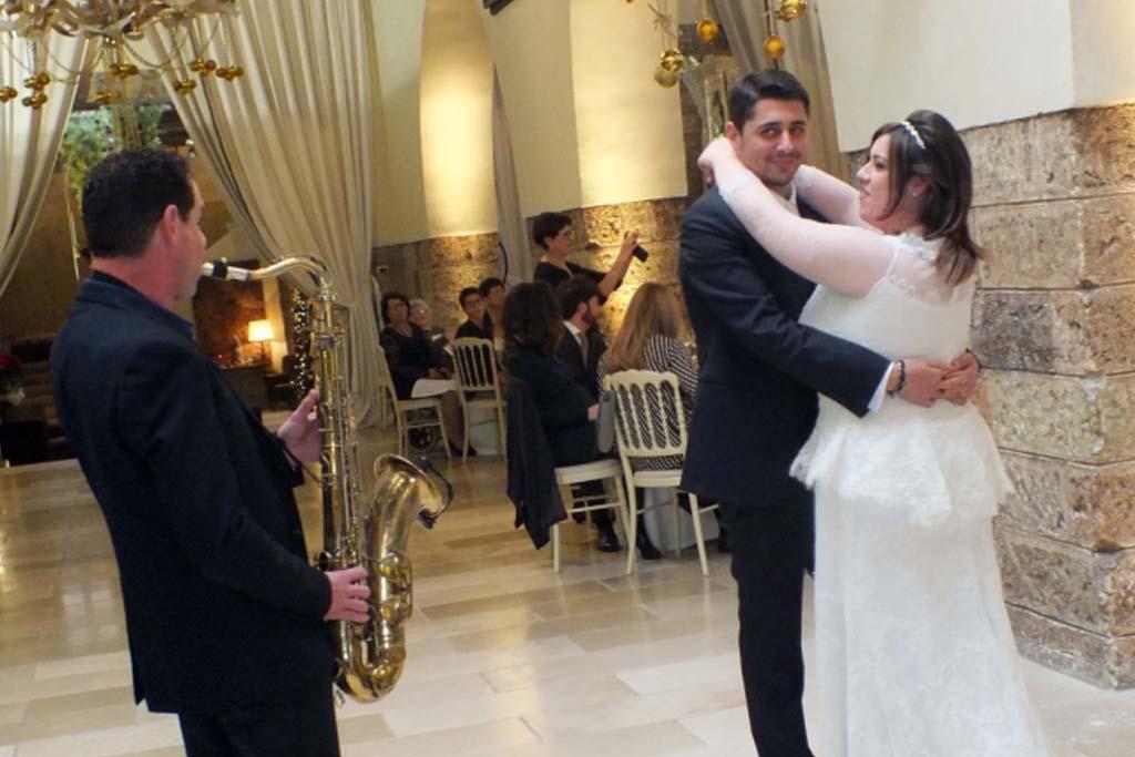 Recensione sposi musica matrimonio Castello Monaci