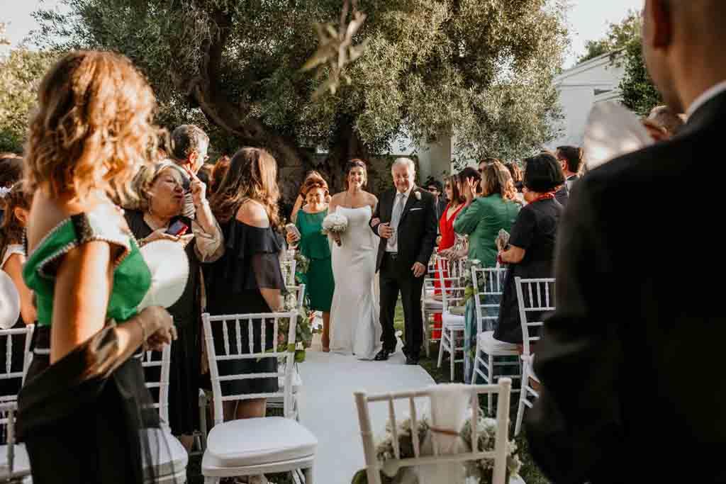 Arrivo sposa cerimonia civile Masseria Montalbano