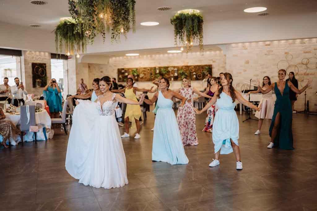 Ballo sposo e invitate Il Santissimo