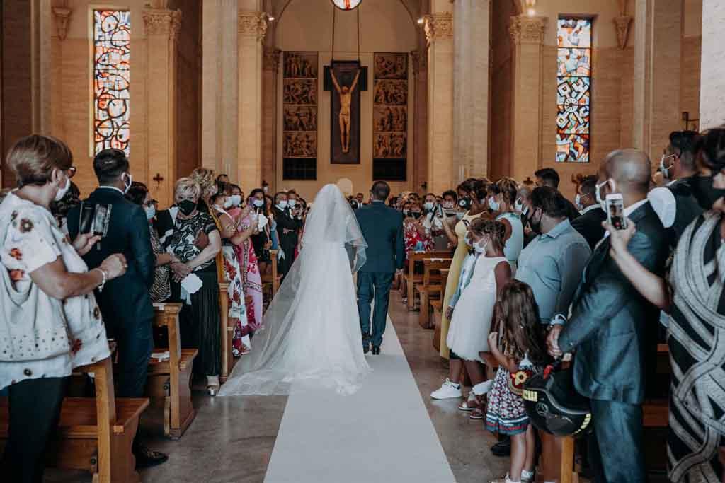 Ingresso sposa Basilica Santa Fara bari