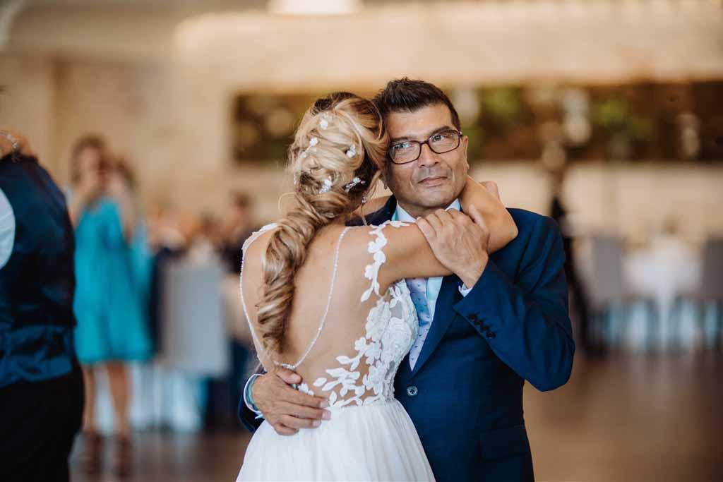Relais Il Santissimo Ballo sposa Papà