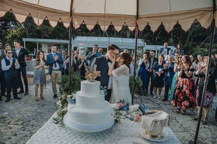 Taglio Torta sposi Cala dei Balcani