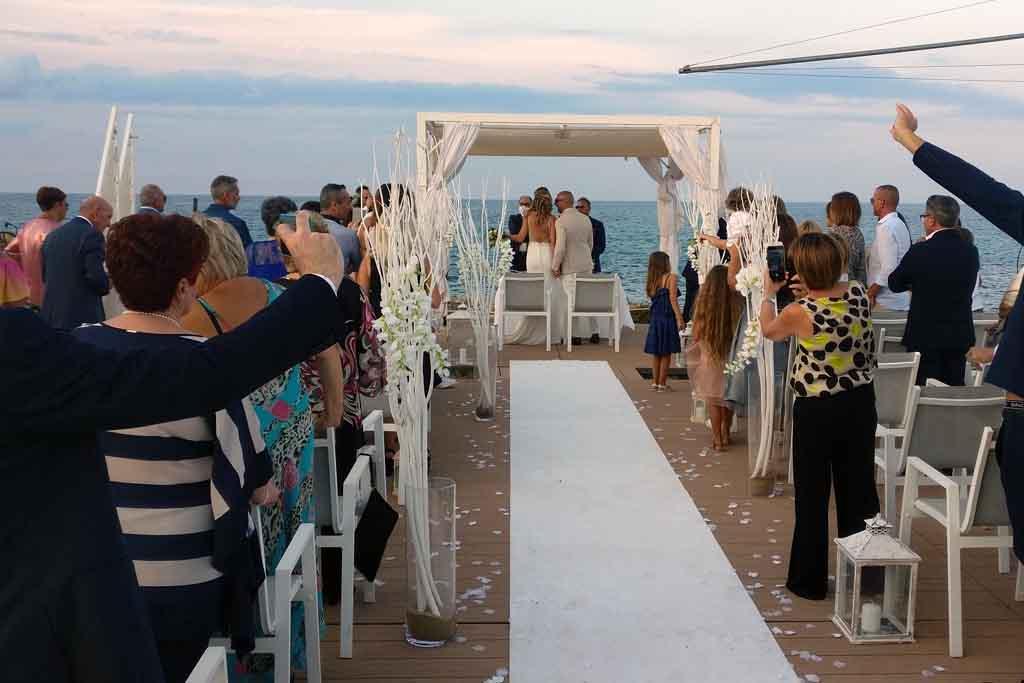 Cerimonia civile matrimonio mare ostuni